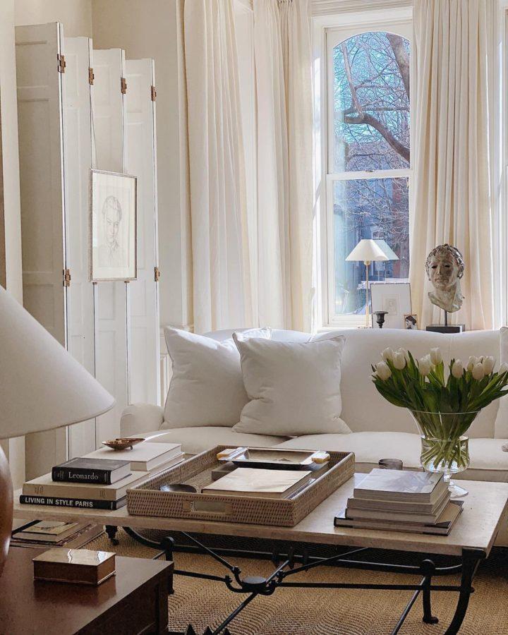 белая гостиная Нейтральная палитра Сочетание старого и нового